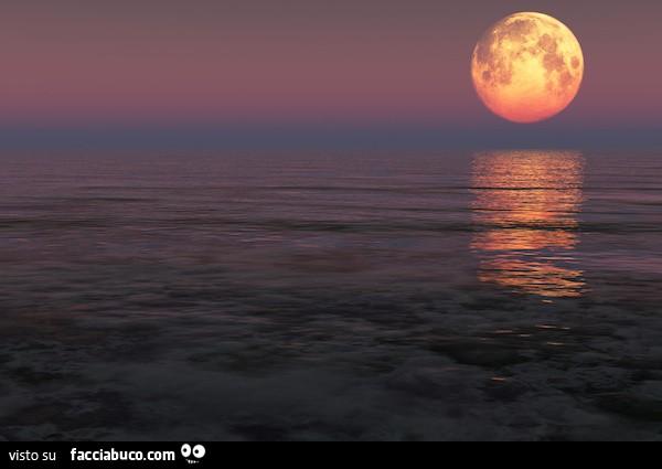 Luna Piena Che Si Specchia Sul Mare Facciabucocom